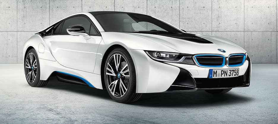 2015 BMW I8 White Blue Front