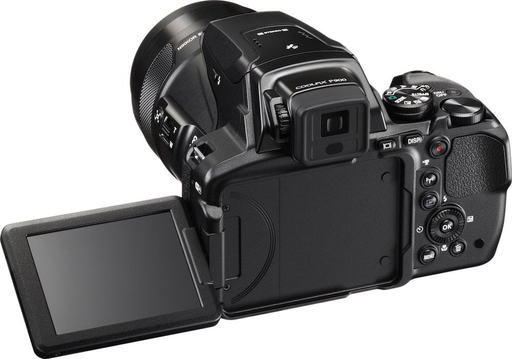 Nikon COOLPIX P900 Angle Back View LCD