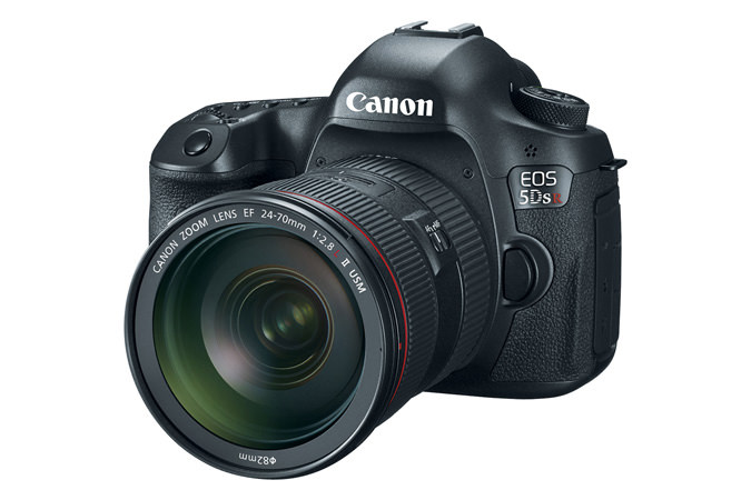 Canon EOS 5DS Digital Camera with Lens