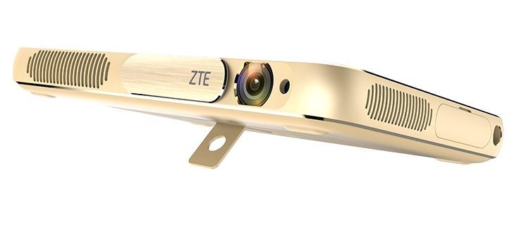 ZTE Spro Plus stand