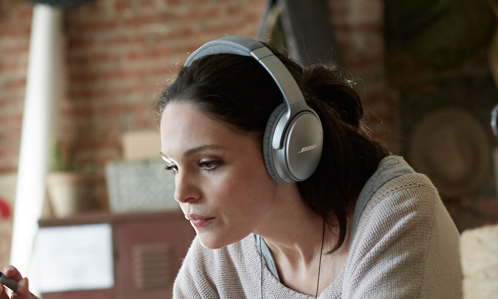 Woman wearing Bose QuietComfort 35 Wireless Headphones