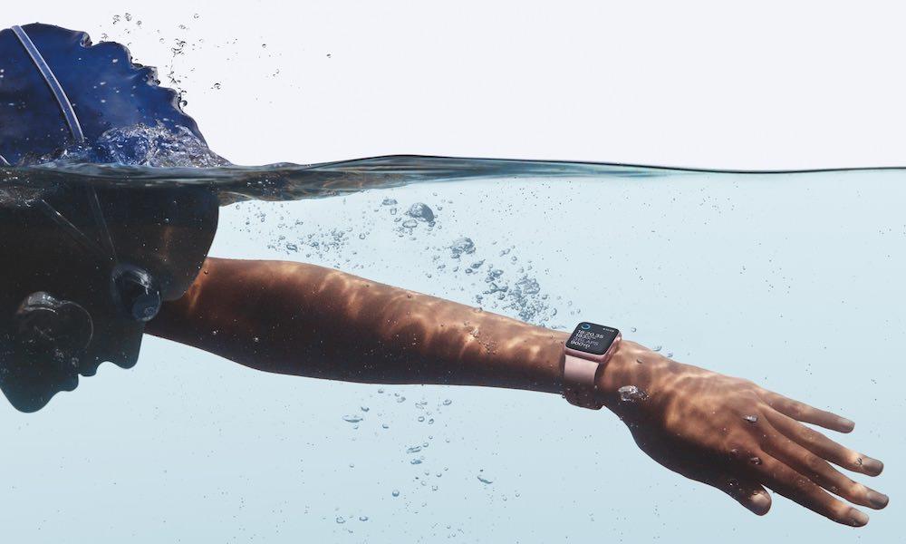 Apple Watch Series 2 Smartwatch Swimming