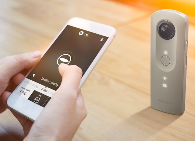 Ricoh Theta SC controlled by app