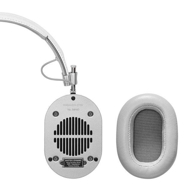 Master & Dynamic MH40 Headphones with detachable ear pad