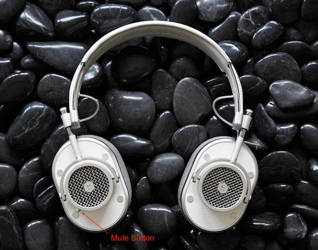 Master & Dynamic MH40 Headphones in White to show mute button
