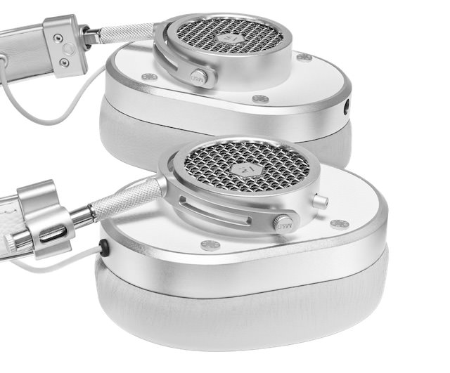 Master & Dynamic MH40 Headphones in White flat