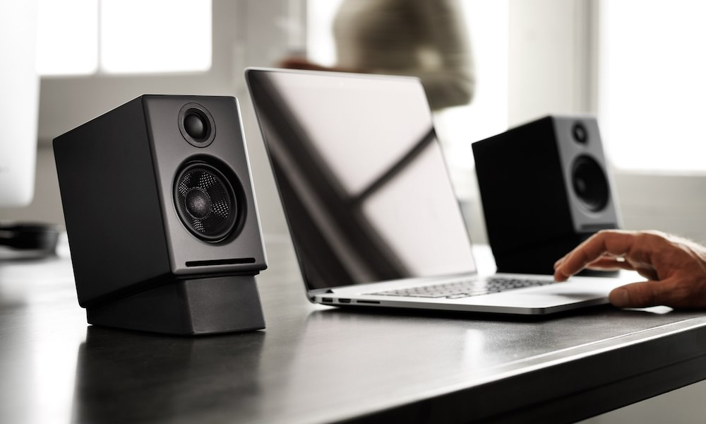 Audioengine A2+ Wireless Desktop Powered Speakers in Black with stands