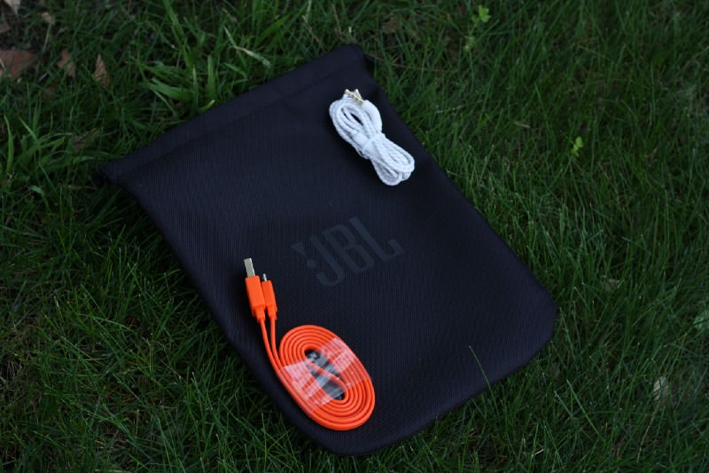 JBL LIVE 650BTNC Wireless Over-ear Headphone Case and Cables