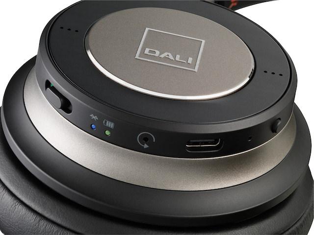 DALI IO-6 Headphone functions