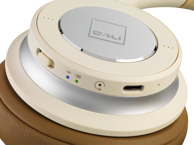 DALI IO-4 Headphone functions