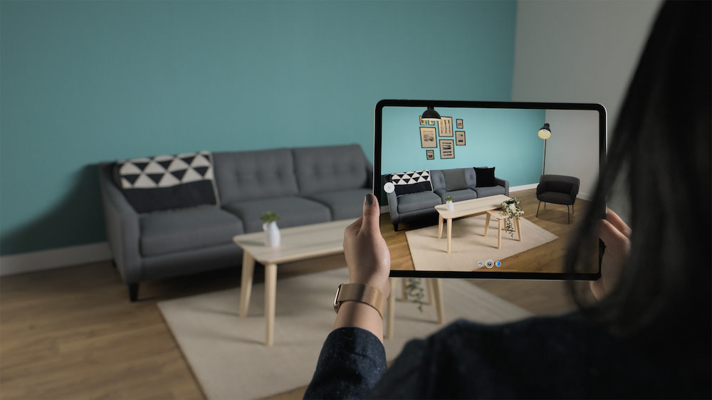 Apple iPad Pro (2020) AR Screen in room