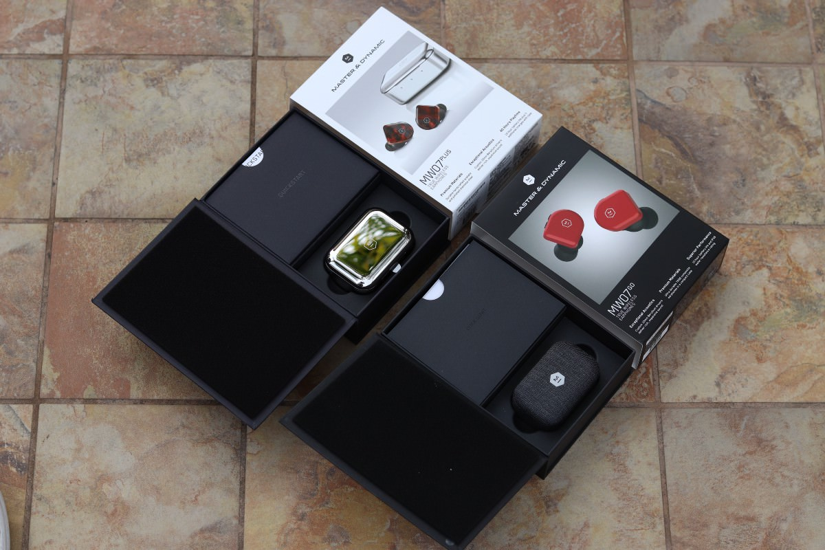 Master & Dynamic MW07 Plus and MW07 Go Earphone Boxes Open