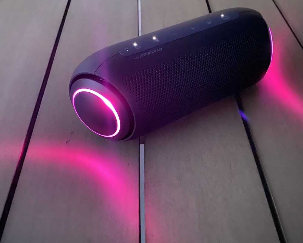 LG XBOOM Go PL7 Pink Lighting Effects at Night