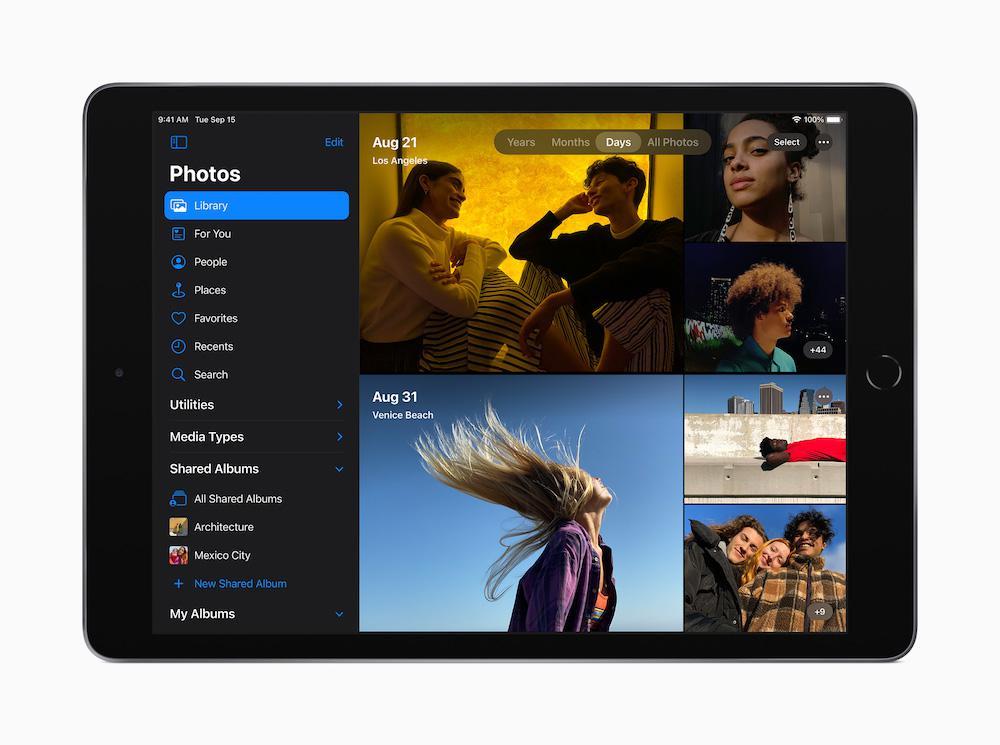 Apple iPad 8th Gen Photos App