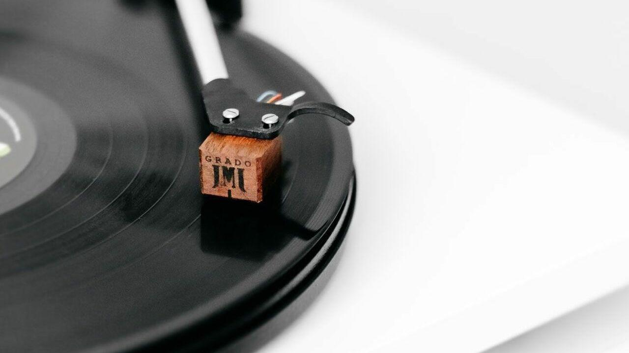 Grado Timbre Sonata3 Phono Cartridge with Turntable