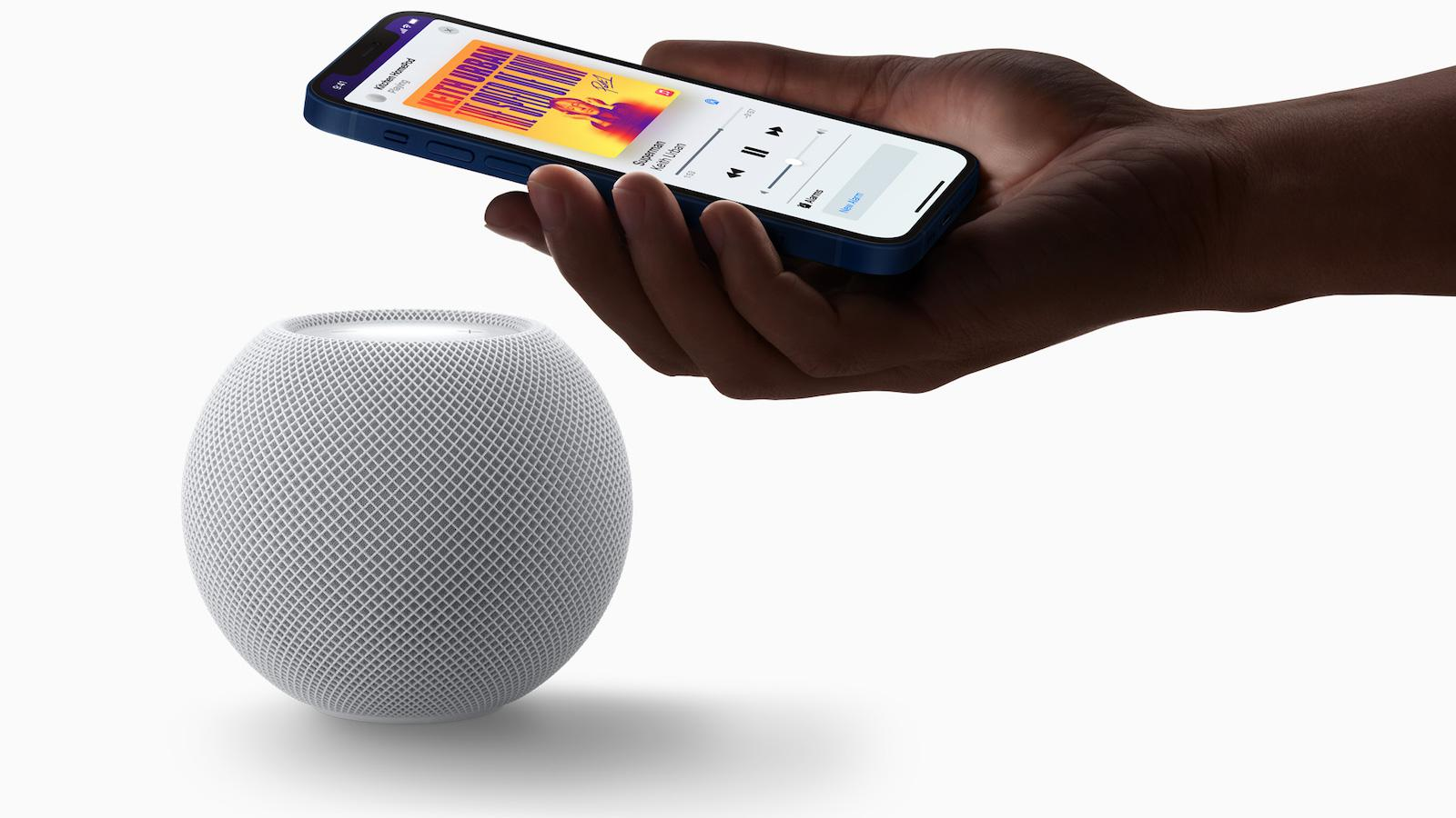 Apple HomePod mini (2020) white iphone pairing