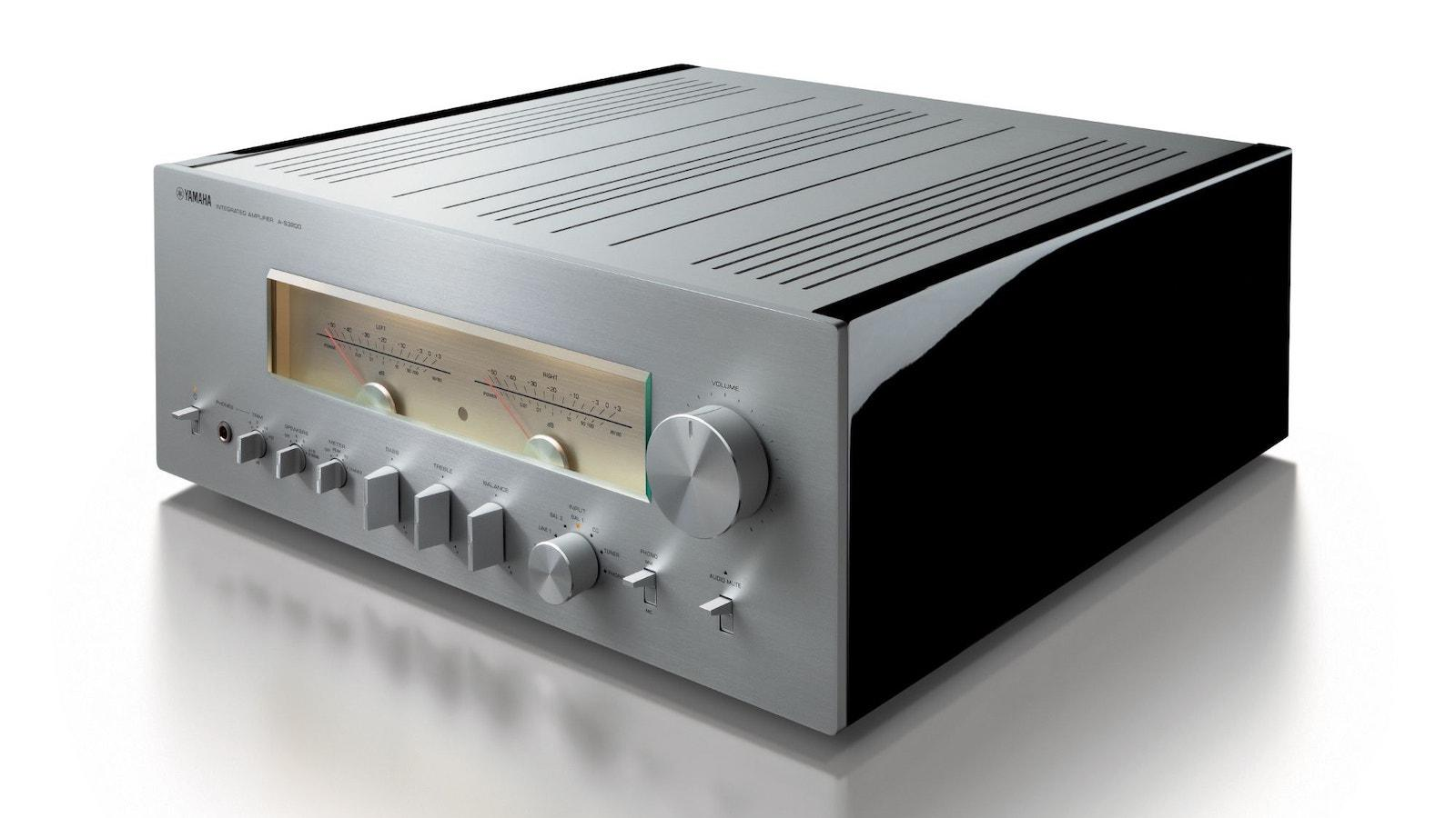 Yamaha A-S3200 Integrated Amplifier (Silver) Angle