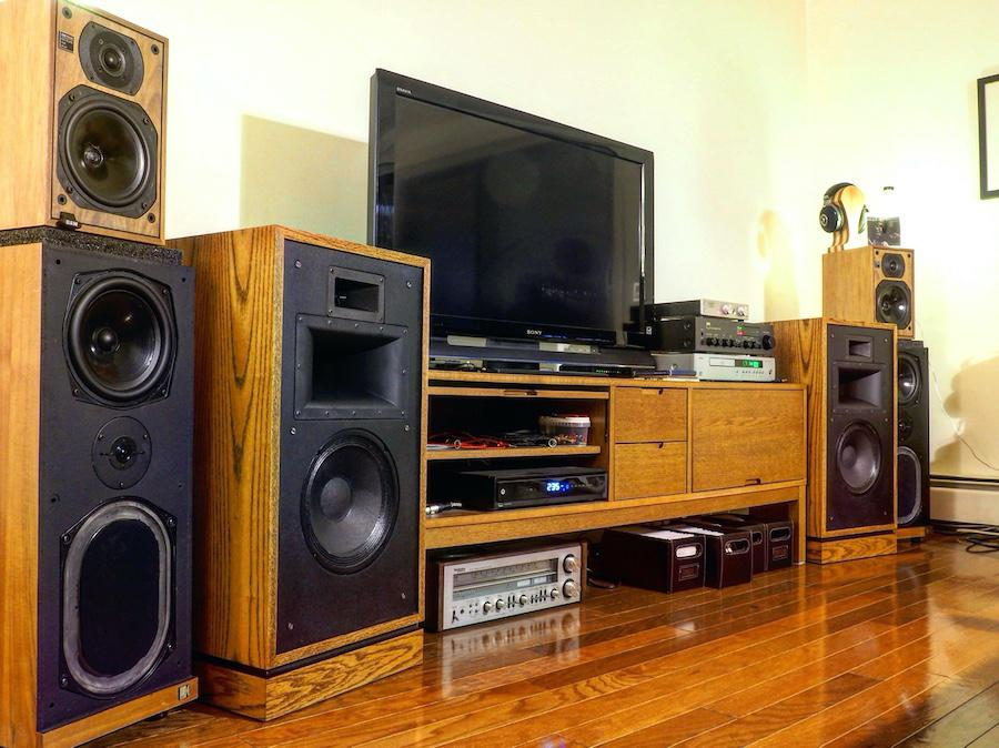 Arcam CD-73, NAD 3140, and Grant Fidelity TubeDAC 11. Technics SA-500 and Focal Elear on standby. Growing speaker collection of Klipsch Quartet, KEF Calinda and B&W DM 1200.