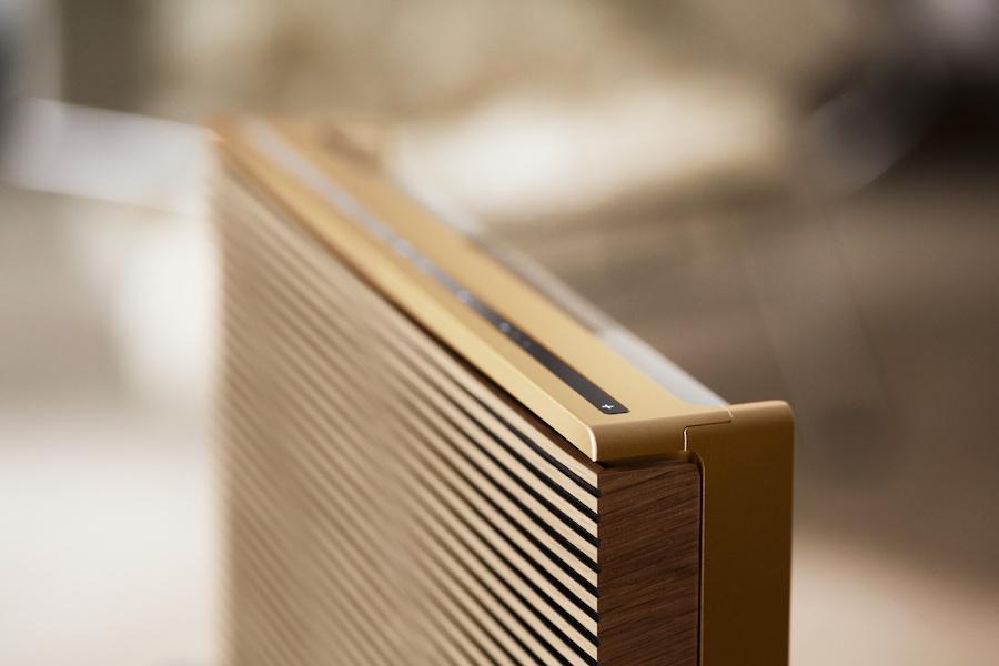 Bang & Olufsen Beosound Level Wireless Speaker Upright Top