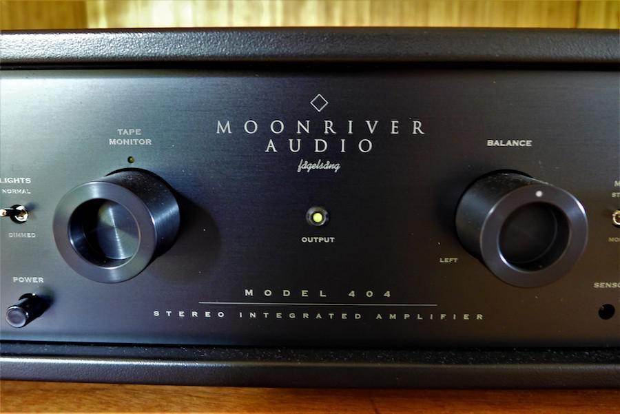 Moonriver 404 Integrated Amplifier Front Closeup