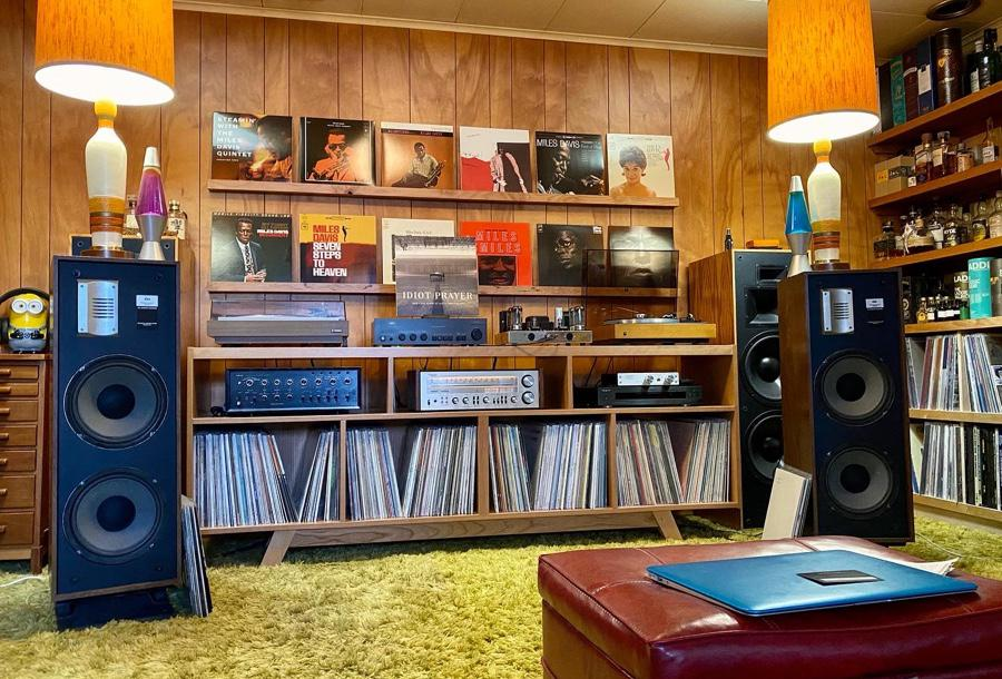 Downstairs System Today. ESS PS4A in rotation. Klipsch KLF 30 in reserve. Yamaha YP701 and Dual 701 turntables. NAD 3020 and Sansui AU-999 amps, Dynaco ST-70 tube amp, Technics SA500 receiver and Oppo BDP-93 disk player.