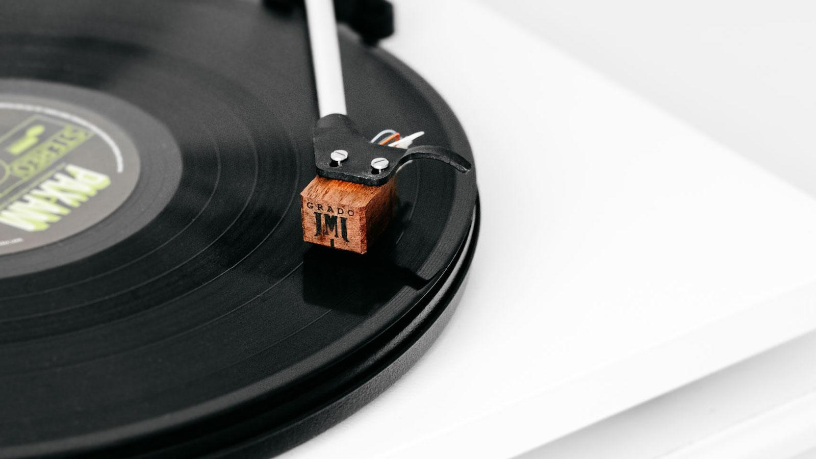 Grado Timbre Cartridge on Turntable