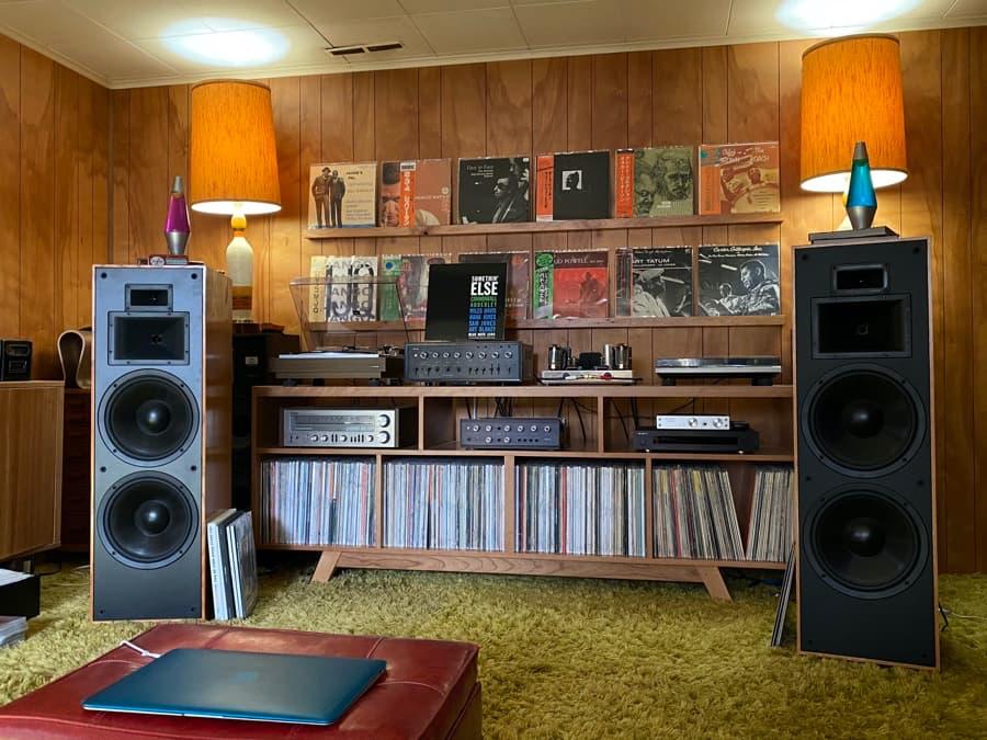 Klipsch KLF-30 Loudspeakers Lifestyle