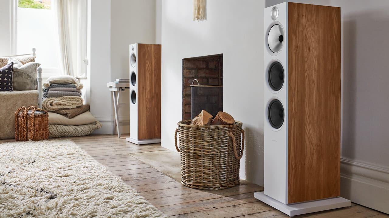 Bowers & Wilkins 603 S2 Anniversary Edition Loudspeakers in Oak Lifestyle