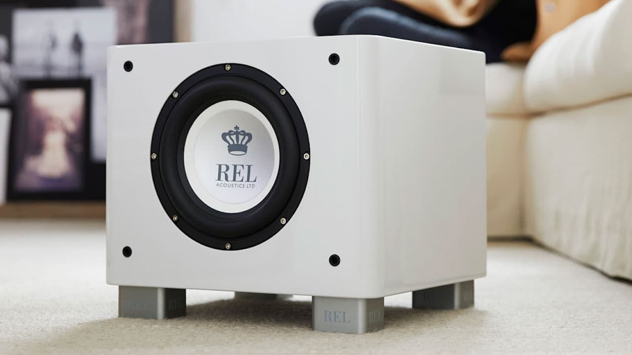 REL T/7x Subwoofer in White Lifestyle
