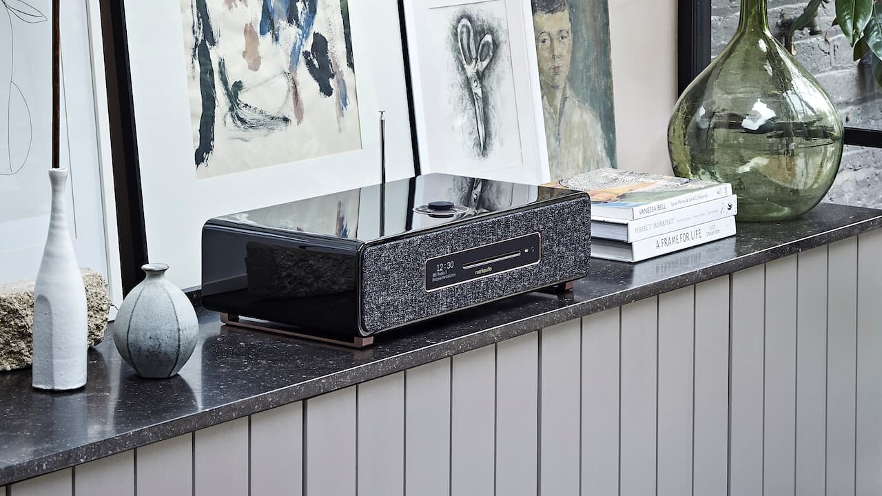Ruark R5 Signature Tabletop Wireless Loudspeaker Lifestyle