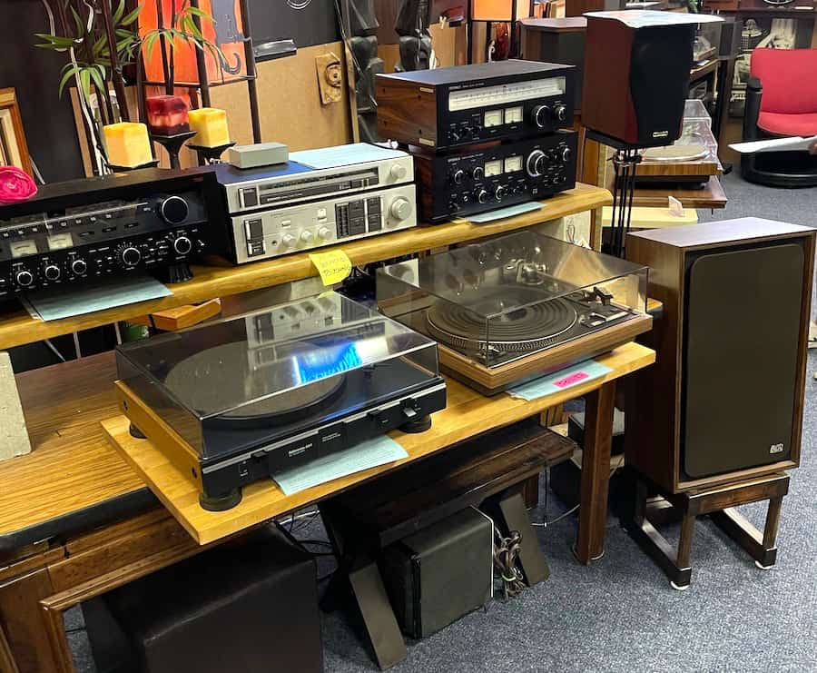 Various electronics at Cherry Vintage Audio