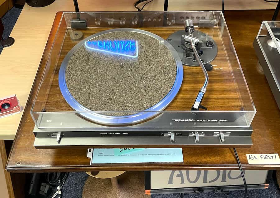 Realistic LAB-500 Fully Automatic Turntable