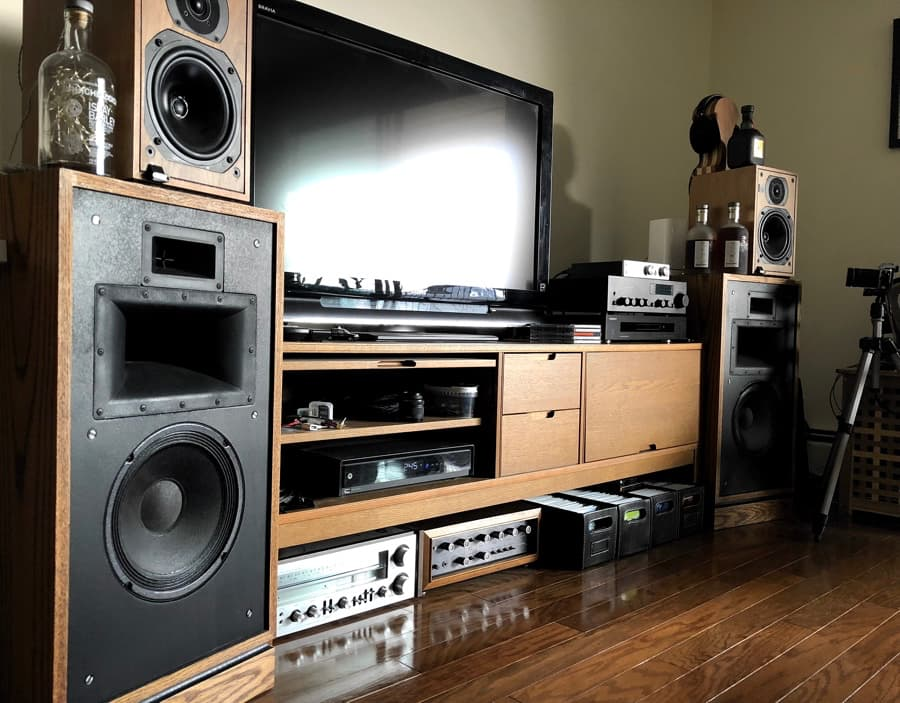 audioloveyyc cramped condo living with hi-fi stereo system