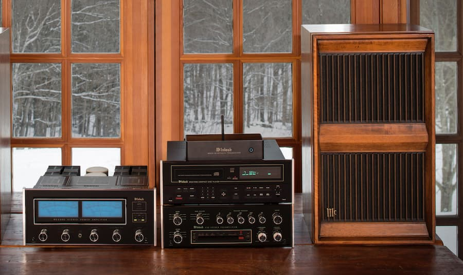 McIntosh MB20 Bluetooth Transceiver with Vintage Audio System Front