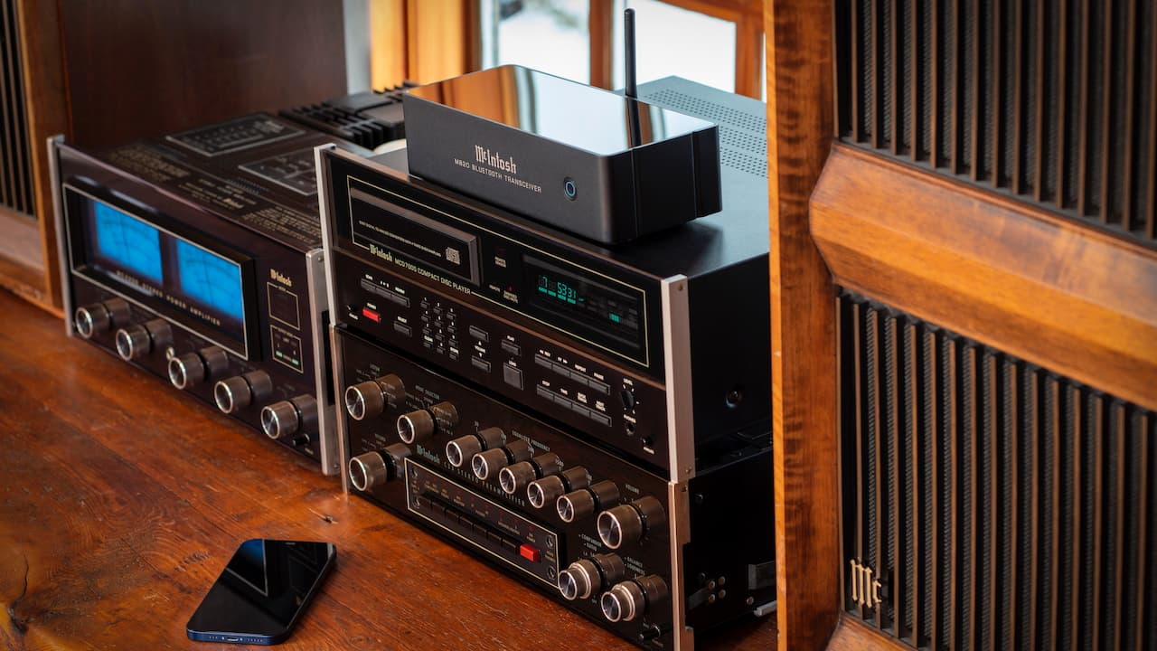 McIntosh MB20 Bluetooth Transceiver with Vintage Audio System