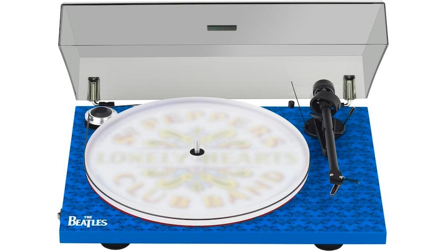 Pro-Ject Essential III - The Beatles Sgt. Pepper Turntable Lid Open