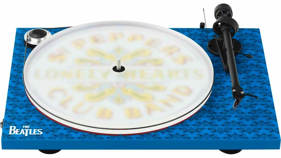 Pro-Ject Essential III - The Beatles Sgt. Pepper Turntable