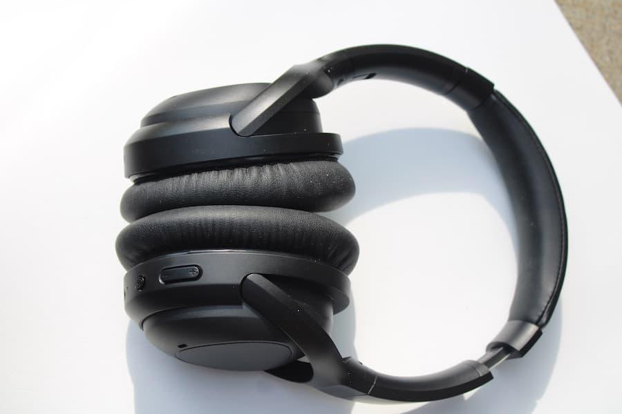PuroPro Wireless Headphones Closed