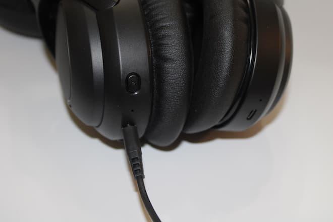PuroPro Wireless Headphones Charging