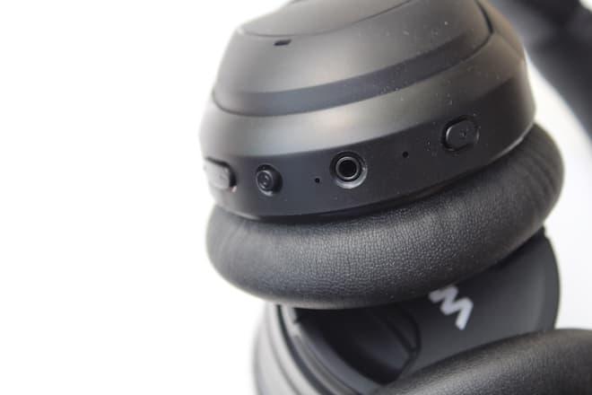 PuroPro Wireless Headphone Controls