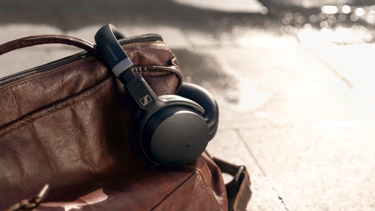 Sennheiser HD 450SE Wireless Headphones with Alexa Lifestyle