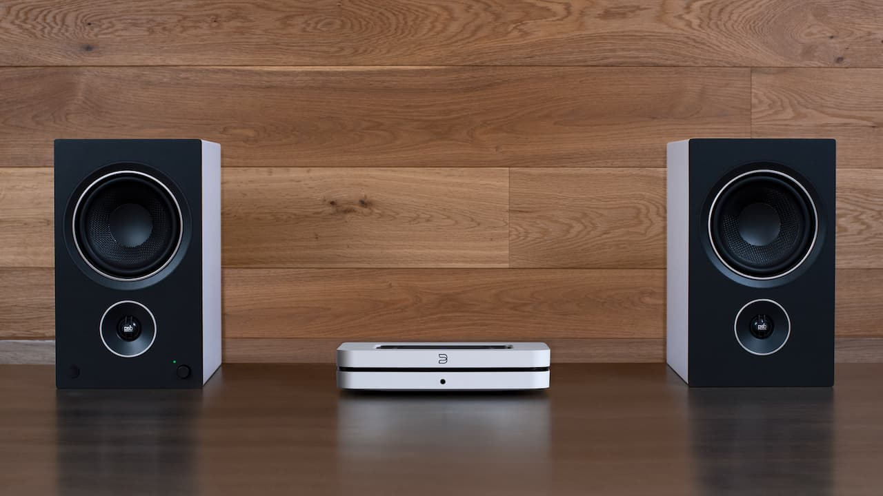 Bluesound NODE Streamer with PSB AM5 Speakers