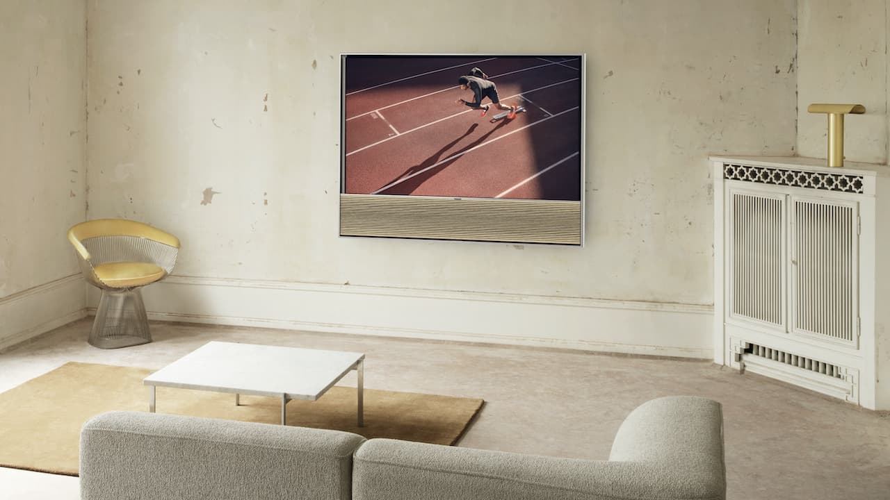 Bang & Olufsen Contour OLED 4K TV Light Oak on Wall