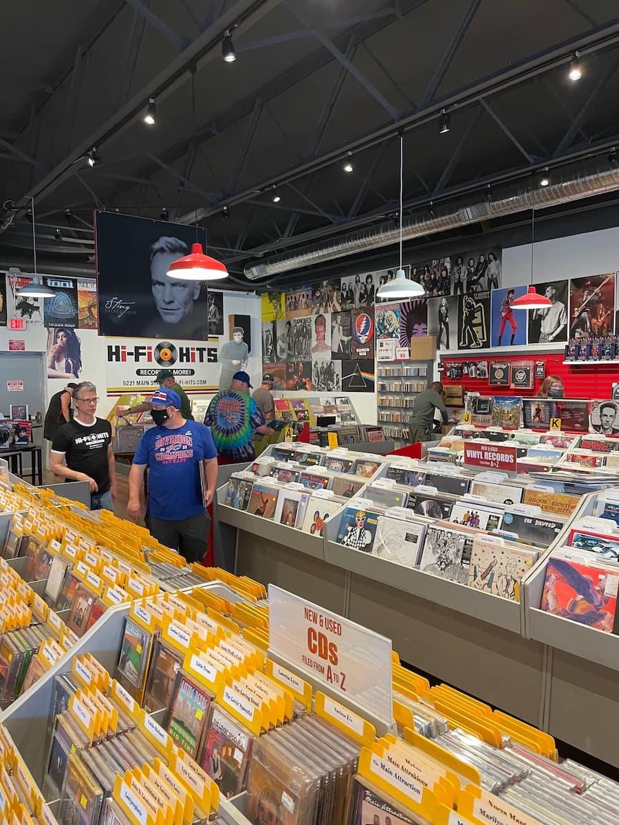 RSD 2021-06-12 Hi-Fi Hits Record Store Inside