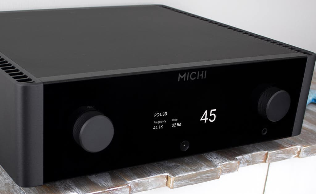 Rotel Michi X3 Integrated Amplifier Lifestyle 2