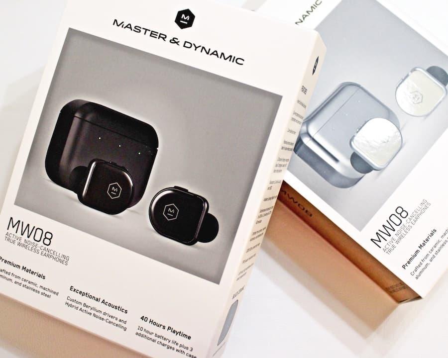 Master & Dynamic MW08 Packaging