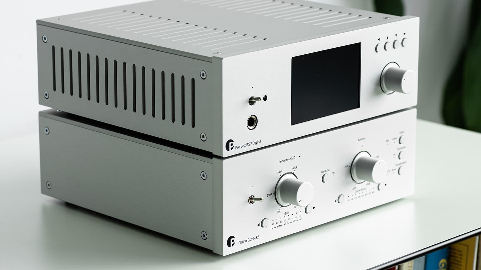 Pro-Ject Phono Box RS2 below Pre Box RS2 Digital