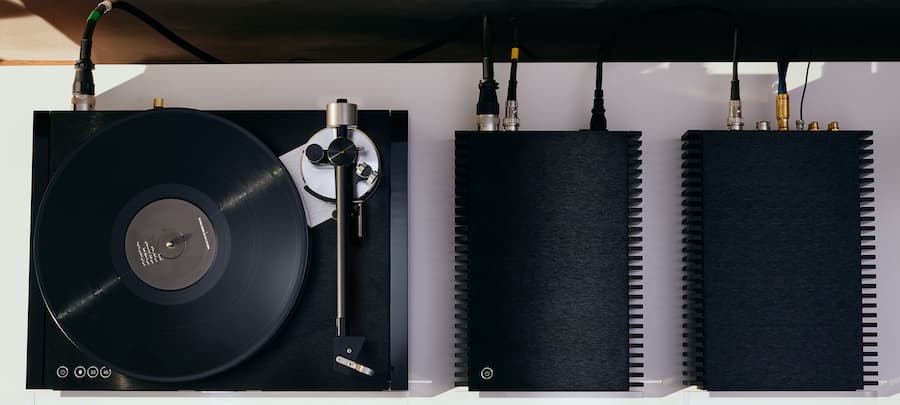 Naim Audio NVS TT Solstice Turntable Special Edition with NVX Power Supply and NVC Phono Stage Top View