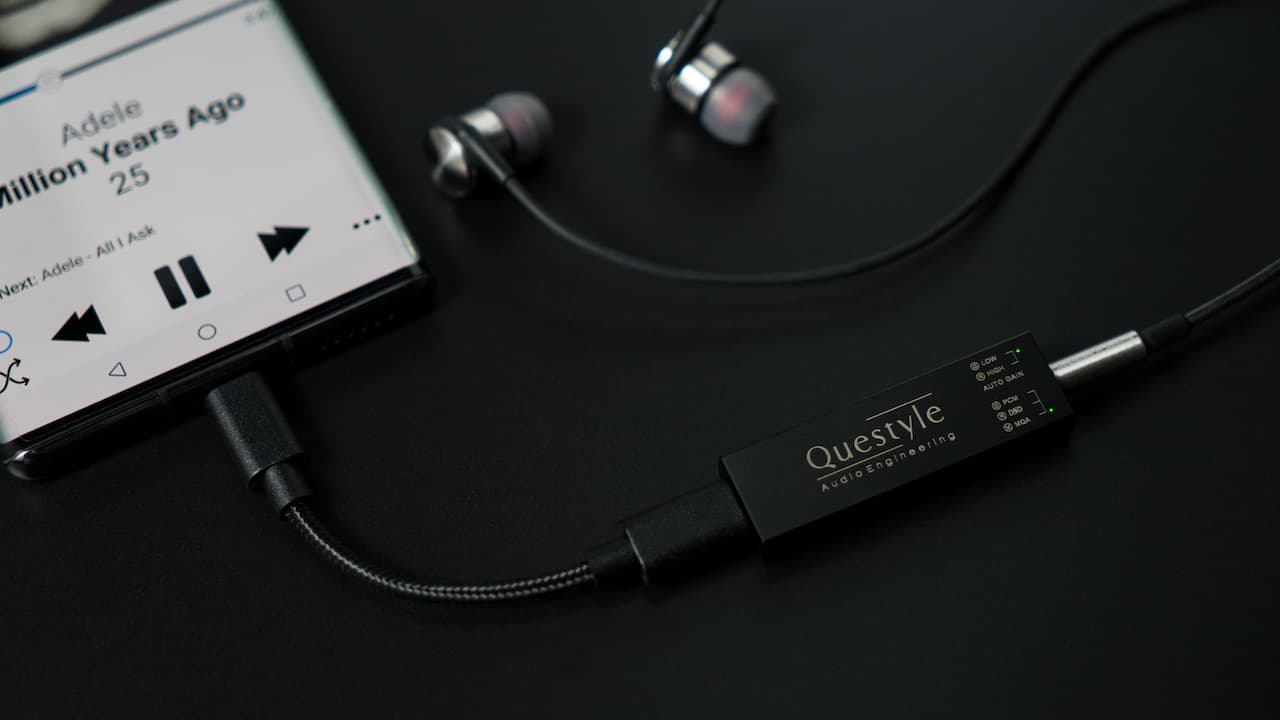 Questyle M12 Mobile Headphone Amp & DAC connected to Smartphone