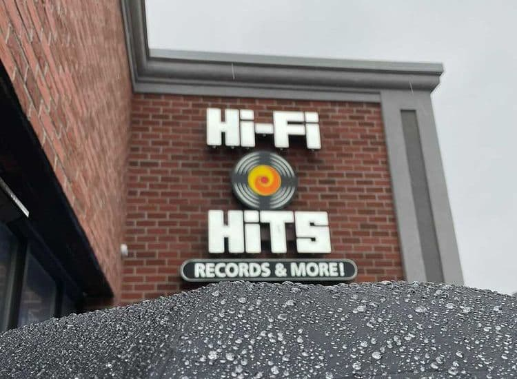 Hi-Fi Hits Record Store in the Rain